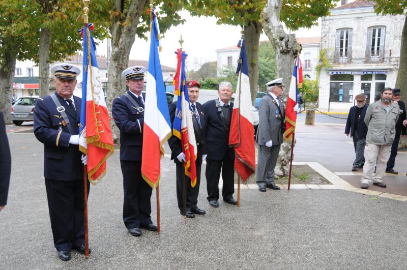 11 11 2013 les porte  drapeau